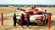 """Tankçılarımız """"Tank biatlonu"""" müsabiqəsində finala yüksəldi"""