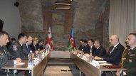 Azərbaycan və Gürcüstan müdafiə nazirləri sənəd imzaladı