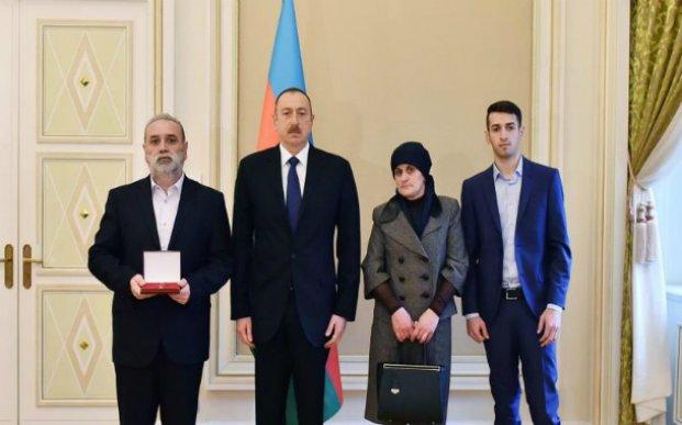 Prezident Milli Qəhrəmanın ailəsinə ev bağışladı