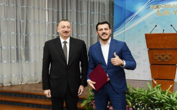 İlham Əliyev bu idmançılara ev verdi - VİDEO