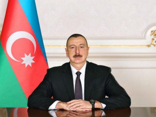 """Prezident İlham Əliyev """"Bakutel-2019"""" sərgisi ilə tanış olub"""