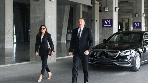 İlham Əliyev və Mehriban Əliyeva Pirşağı qəsəbəsində (YENİLƏNİB)