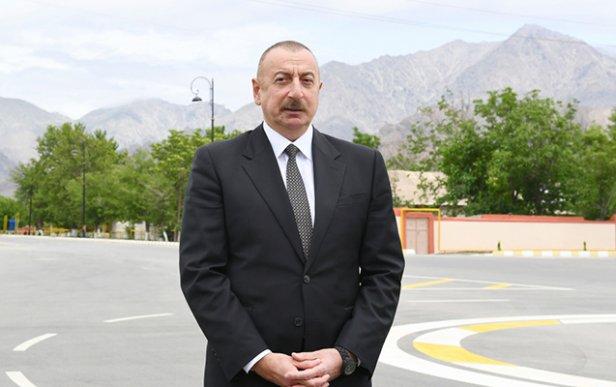 Prezident Şuşa yolundakı tunelin təməlini qoydu