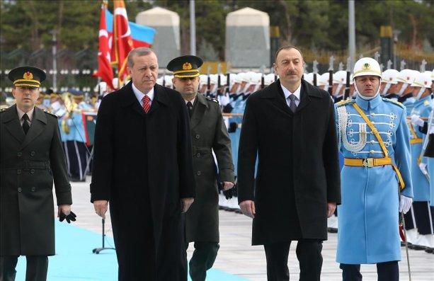 """""""Qardaşlıq, birlik günüdür"""":   Əliyevin tarixi səfərindən Fotolar + Video"""