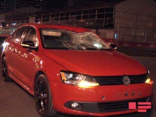 Bakıda avtomobil sərxoş piyadanı vurub – FOTO + VİDEO