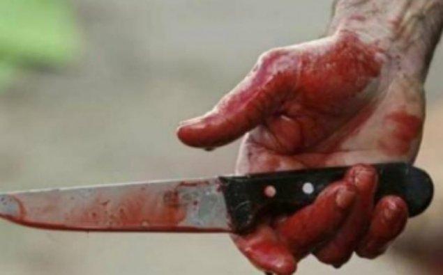 Oğul atasını 20 bıçaq zərbəsilə öldürdü - Bakıda