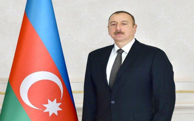 İlham Əliyev Macarıstan prezidentini təbrik etdi