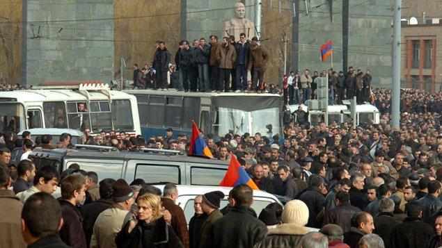 Sarkisyanın qəfil ölümü: Ermənistanda alternativ hökumət qurulur