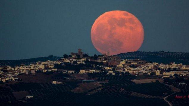 Ay bizi tərk edir: Milyardlarla insanın ölümünə səbəb olacaq