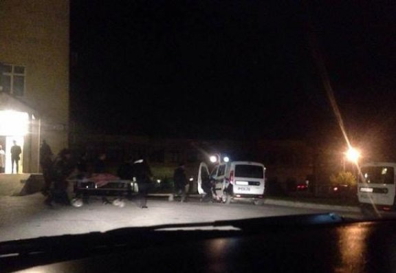 Polis xidmət zamanı bıçaqlandı - Bakıda (Video + Foto)