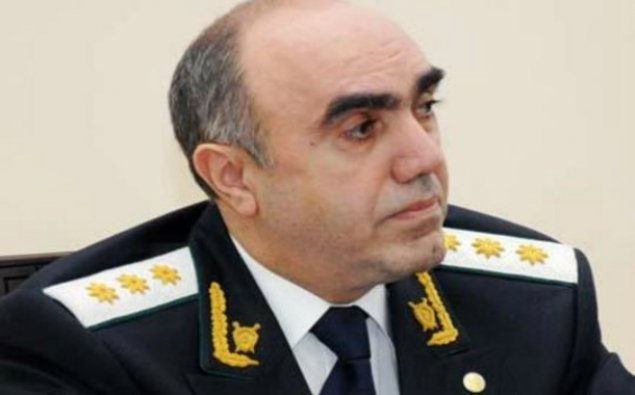 Zakir Qaralov Xalq şairinin oğlunu təqaüdə göndərdi
