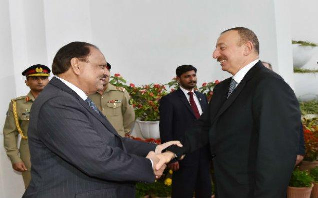 Pakistan prezidenti İlham Əliyevi təbrik etdi