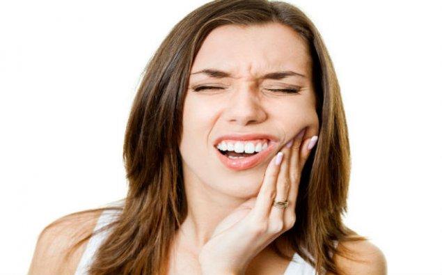 Diş ağrısını azaldan 3 ÇOX SADƏ VASİTƏ