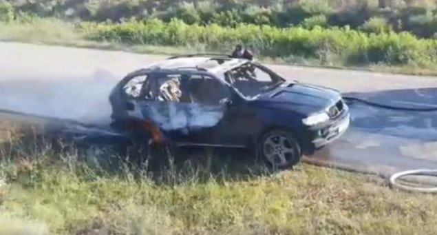Rustavidə Azərbaycan nömrə nişanlı avtomobil yandı – VİDEO