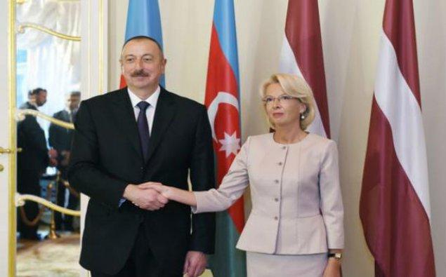 Prezident İnara Murniyetse ilə görüşdü - Fotolar