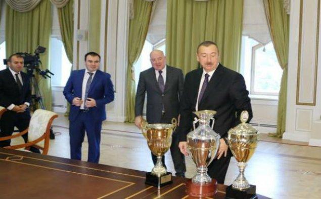 Prezident şahmatçılarla görüşdü - Fotolar