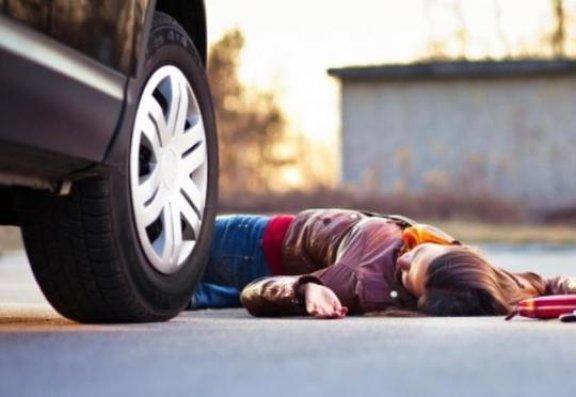Bakıda ana və 10 yaşlı oğlu avtomobilin altında qaldı
