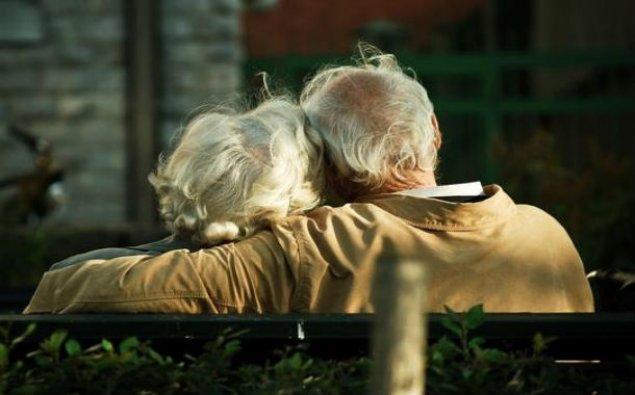 Azərbaycanda yaşlı insanların sayı artır