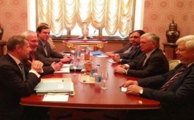 Nalbandyan Moskvada həmsədrlərlə görüşüb