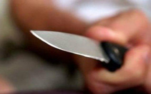 Lombard işçisi bıçaqlandı - Salyanda