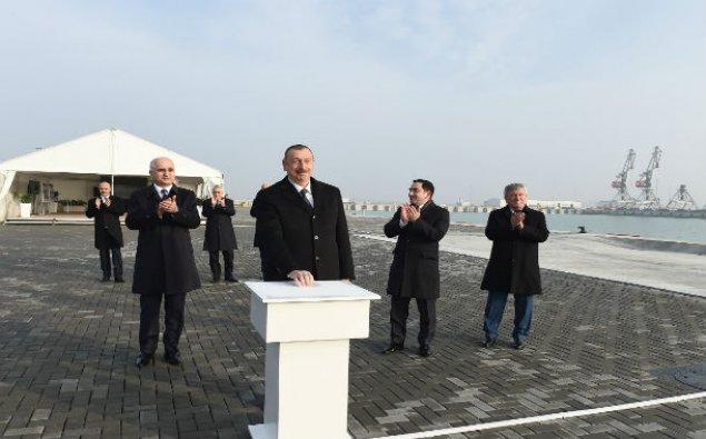 Prezident Bakı Beynəlxalq Dəniz Ticarət Limanında – FOTO