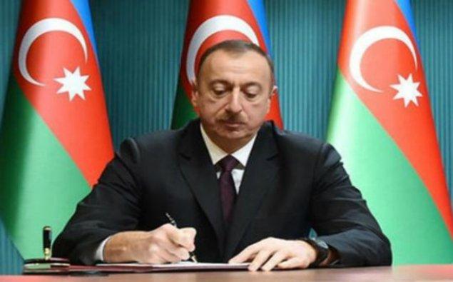 """Prezident Fərhad Babayev və Arif Əzizovu """"Şöhrət"""" ordeni ilə təltif etdi"""
