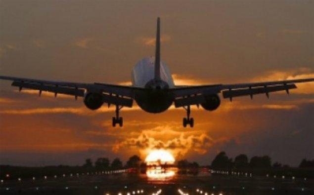 Astana aeroportu müvəqqəti bağlandı