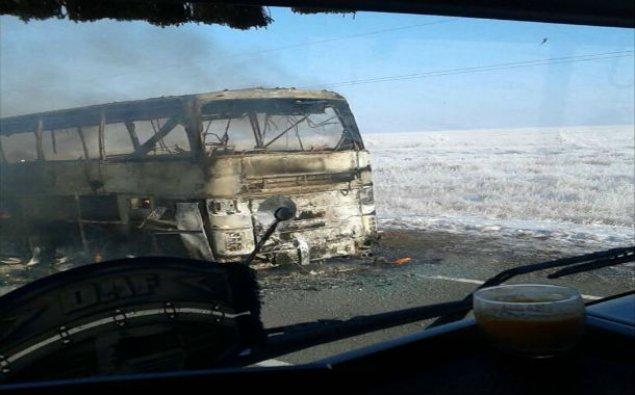 Qazaxıstanda 52 nəfər avtobusda yanaraq öldü – VİDEO