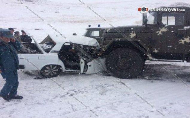 Ermənistanda hərbi maşın qəza törətdi: 2 ölü