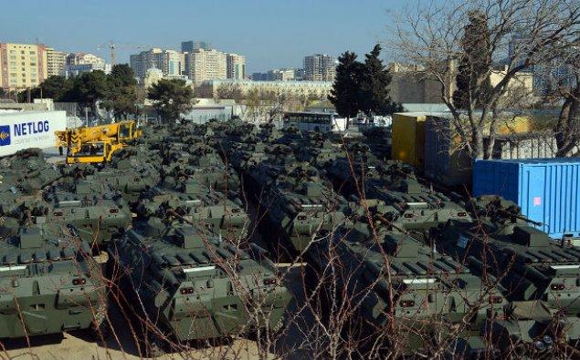 Azərbaycan Rusiyadan hərbi texnika aldı - VİDEO
