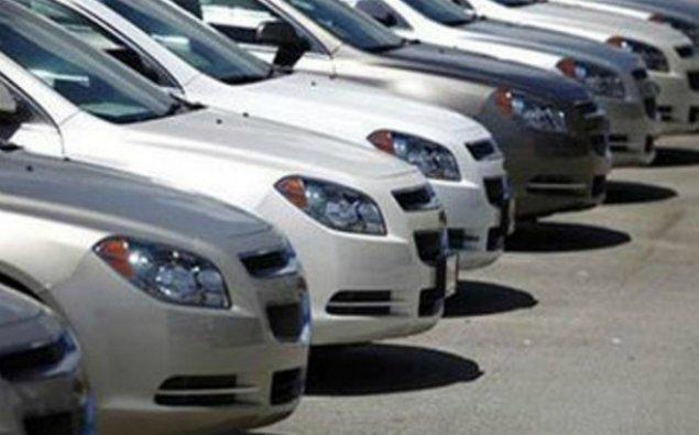 İki banka məxsus 11 avtomobil hərrac yolu ilə satıldı