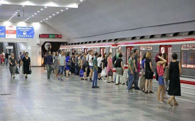 Tbilisi metrosunda tavan çökdü - Yaralılar var