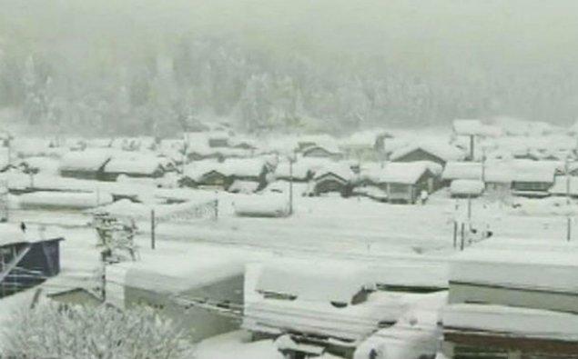 Yaponiyada güclü qar 7 nəfəri öldürdü