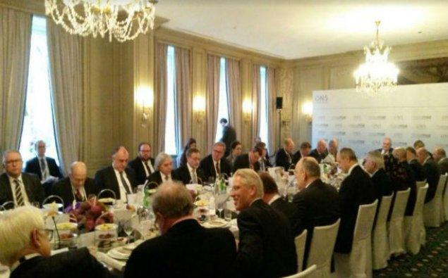 Elmar Məmmədyarov Münhendə dəyirmi masada iştirak etdi