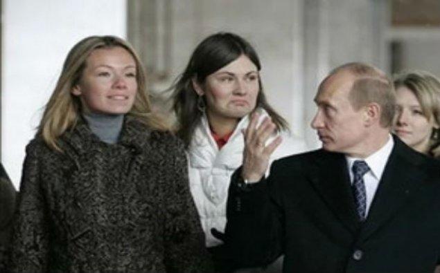 Rusiya prezidenti qızları barədə danışıb