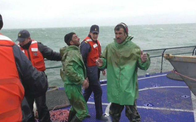 Batmaq təhlükəsi ilə üzləşmiş balıqçılar xilas edildi