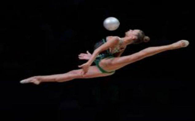 Azərbaycan gimnastı Dünya Kubokunda gümüş medal qazandı
