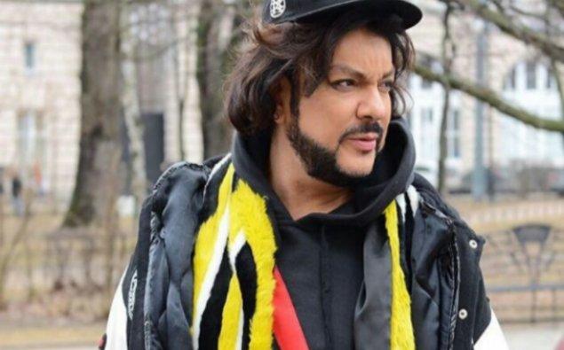 Xalq artistinin 11 minlik paltarı oğurlandı