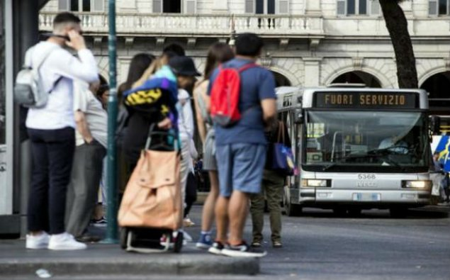 İtaliyada ictimai nəqliyyatın hərəkəti iflic olub