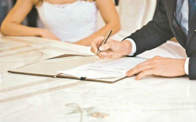 Bu ilin dörd ayında nikah və boşanmaların sayı açıqlanıb