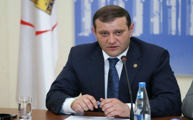 Yerevan meri istefa verib
