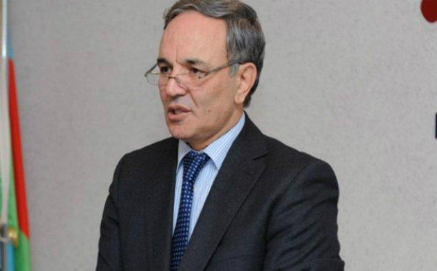 """""""İnternet medianın fəaliyyəti ölkənin informasiya təhlükəsizliyi baxımından vacibdir"""" - Əflatun Amaşov"""