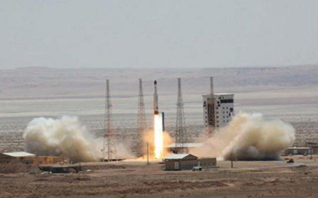İran ballistik raketi sınaqdan keçirdi