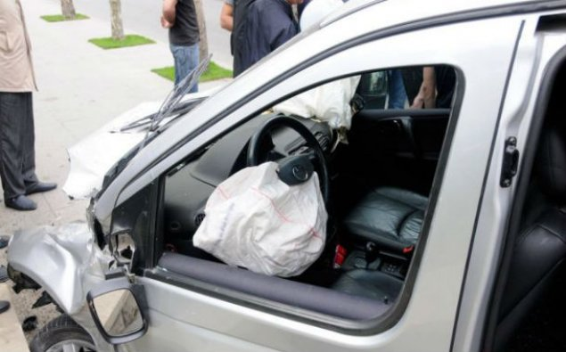 Ötən gün yol qəzaları: 2 nəfər ölüb, 3-ü yaralanıb