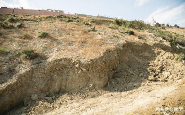 ETSN: Badamdarda sürüşmə sahəsindəki evlərin hasarları uçub