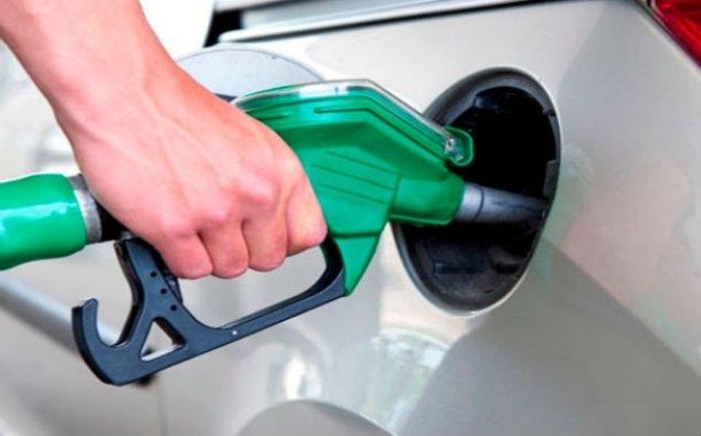 Azərbaycanda avtomobil benzini istehsalı 4% artıb