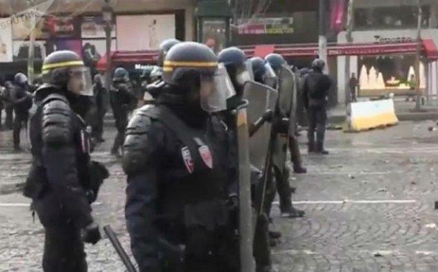 Fransada futbol matçları və konsert təxirə salındı
