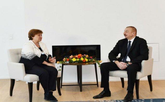 Prezident İlham Əliyev Dünya Bankının baş icraçı direktoru ilə görüşüb