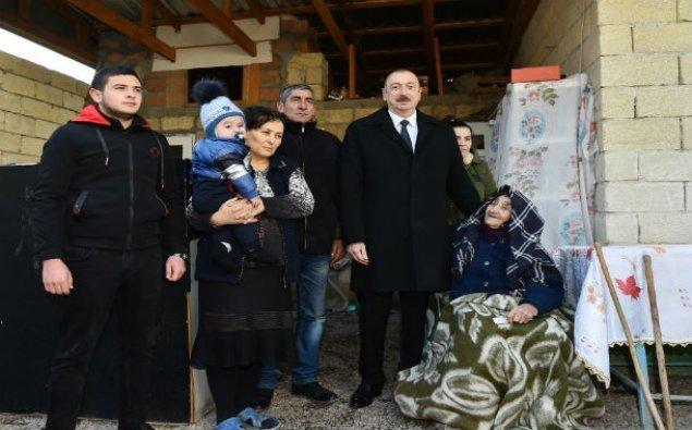 Prezident İlham Əliyev zəlzələ zonasında – FOTOLAR