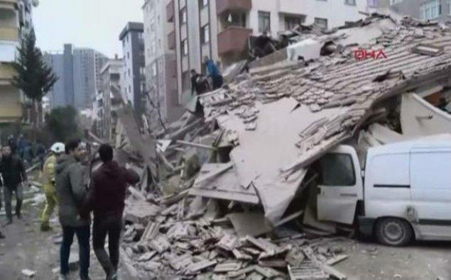 İstanbulda binanın çökməsi nəticəsində ölənlərin sayı 16 nəfərə çatıb